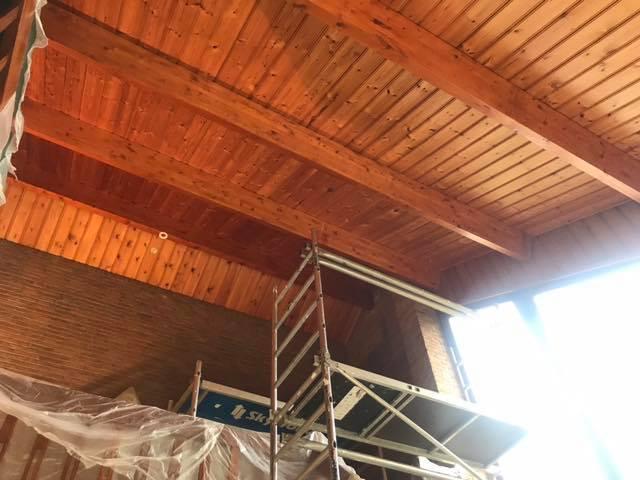 Het dak gaat in de verf